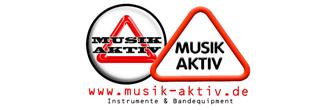 Logo des Geschäfts Musik-Aktiv. Links befindet sich ein Kreis mit einem Dreieck und dem Namen Musik Aktiv. Rechts nur ein Dreieck mit dem Namen Musik Aktiv. Darunter die Internetadresse www.musik-aktiv.de Instrumente & Bandequipment.